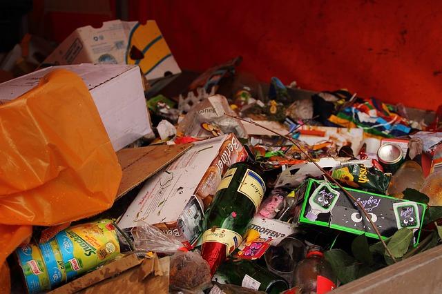 W gminach należących do Międzygminnego Związku Celowym z siedzibą we Włodawie, selektywną zbiórkę odpadów zadeklarowało ponad 90 procent mieszkańców. Niestety są tacy, którzy mimo deklaracji, nie wywiązują się ze swojego obowiązku. Oni zapłacą więcej.