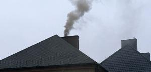 Dym z komina [fot. Agnieszka Pospiszyl]